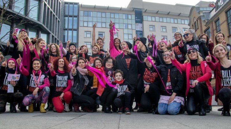nazywam sie miliard 121 800x445 - Poznań: Kobiety i mężczyźni zatańczyli przeciwko przemocy seksualnej