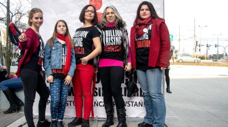 nazywam sie miliard 125 800x445 - Poznań: Kobiety i mężczyźni zatańczyli przeciwko przemocy seksualnej