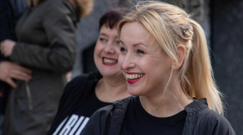 nazywam sie miliard 19 800x445 - Poznań: Kobiety i mężczyźni zatańczyli przeciwko przemocy seksualnej