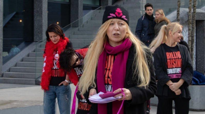 nazywam sie miliard 21 800x445 - Poznań: Kobiety i mężczyźni zatańczyli przeciwko przemocy seksualnej
