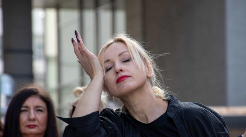 nazywam sie miliard 44 800x445 - Poznań: Kobiety i mężczyźni zatańczyli przeciwko przemocy seksualnej