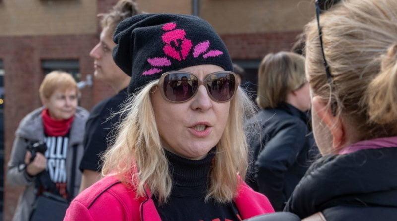 nazywam sie miliard 5 800x445 - Poznań: Kobiety i mężczyźni zatańczyli przeciwko przemocy seksualnej