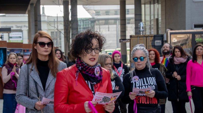 nazywam sie miliard 58 800x445 - Poznań: Kobiety i mężczyźni zatańczyli przeciwko przemocy seksualnej