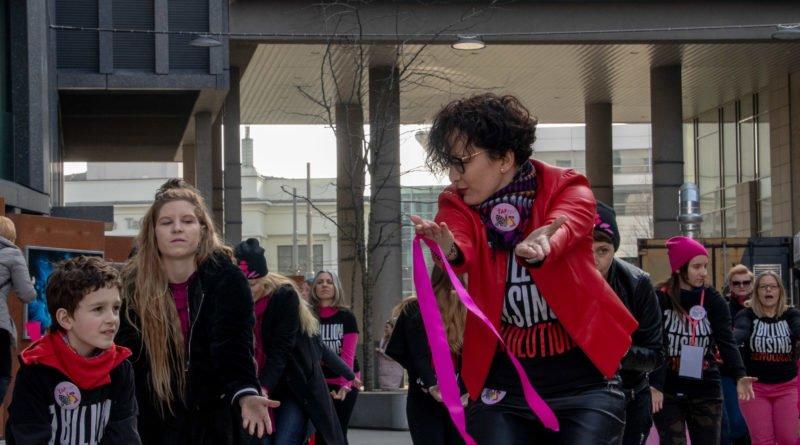 nazywam sie miliard 76 800x445 - Poznań: Kobiety i mężczyźni zatańczyli przeciwko przemocy seksualnej