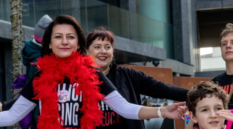 nazywam sie miliard 77 800x445 - Poznań: Kobiety i mężczyźni zatańczyli przeciwko przemocy seksualnej
