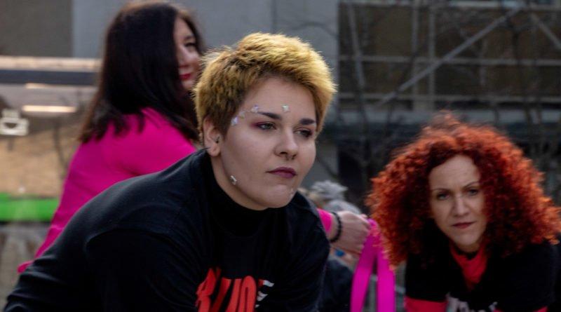 nazywam sie miliard 79 800x445 - Poznań: Kobiety i mężczyźni zatańczyli przeciwko przemocy seksualnej