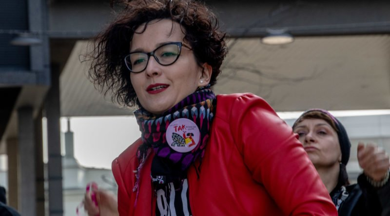 nazywam sie miliard 80 800x445 - Poznań: Kobiety i mężczyźni zatańczyli przeciwko przemocy seksualnej