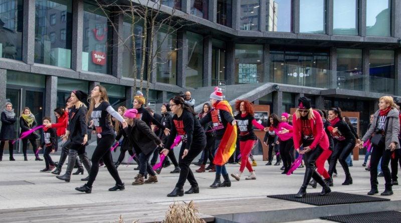 nazywam sie miliard 84 800x445 - Poznań: Kobiety i mężczyźni zatańczyli przeciwko przemocy seksualnej
