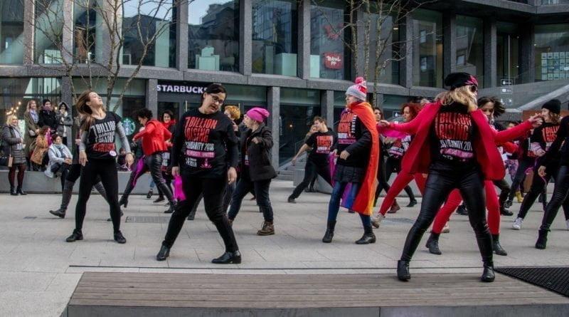 nazywam sie miliard 87 800x445 - Poznań: Kobiety i mężczyźni zatańczyli przeciwko przemocy seksualnej
