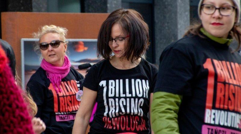 nazywam sie miliard 88 800x445 - Poznań: Kobiety i mężczyźni zatańczyli przeciwko przemocy seksualnej