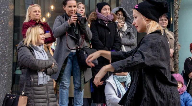 nazywam sie miliard 92 800x445 - Poznań: Kobiety i mężczyźni zatańczyli przeciwko przemocy seksualnej