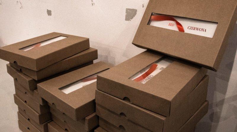 bialo czerwona marek lapis 2 800x445 - Marek Lapis: fotograf widzi więcej