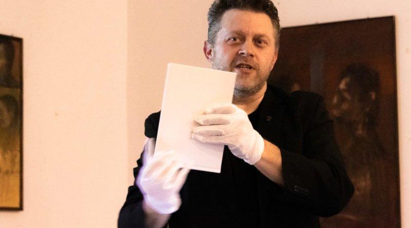 bialo czerwona marek lapis 6 800x445 - Marek Lapis: fotograf widzi więcej