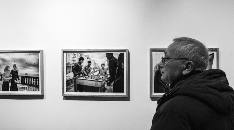 centrala otwarcie 1 800x445 - Centrala: wernisaż wystawy Deglet Nour Tytusa Grodzickiego