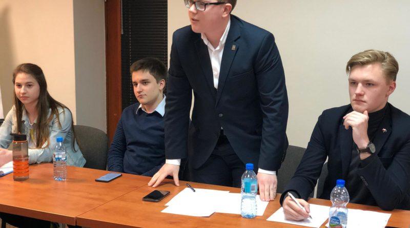 debata kara smierci 3 800x445 - Poznań: Młodzi politycy dyskutowali o karze śmierci