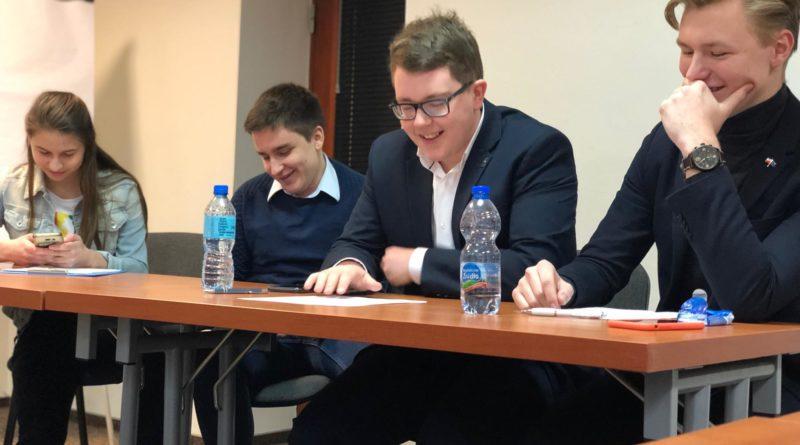 debata kara smierci 4 800x445 - Poznań: Młodzi politycy dyskutowali o karze śmierci