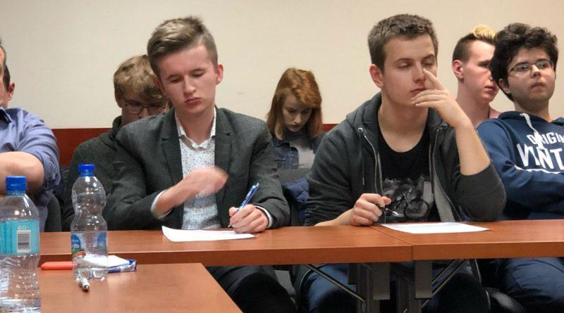debata kara smierci 5 800x445 - Poznań: Młodzi politycy dyskutowali o karze śmierci