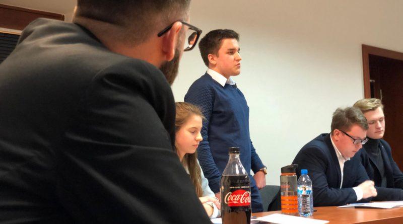 debata kara smierci 6 800x445 - Poznań: Młodzi politycy dyskutowali o karze śmierci