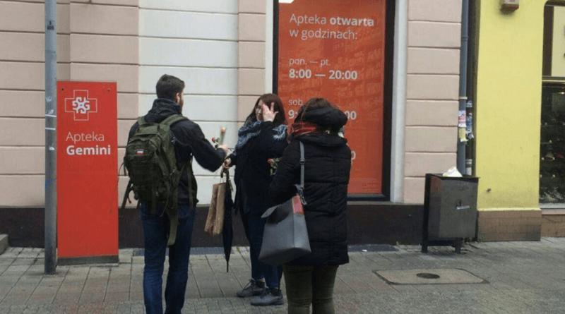 """dzien kobiet mlodziez wszechpolska 2 800x445 - Młodzież Wszechpolska: """"Subtelność jest kobieca"""""""