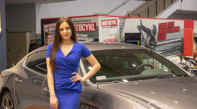 hostessy motorshow 2019 11 800x445 - Poznań Motor Show: Hostessy na zdjęciach!