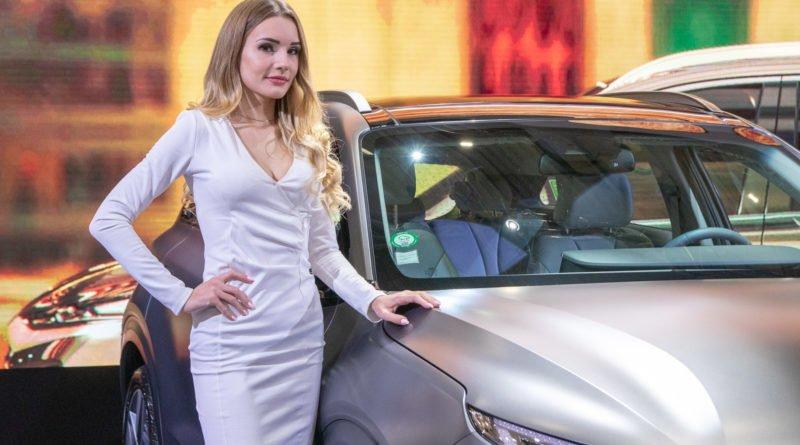 hostessy motorshow 2019 32 800x445 - Poznań Motor Show: Hostessy na zdjęciach!