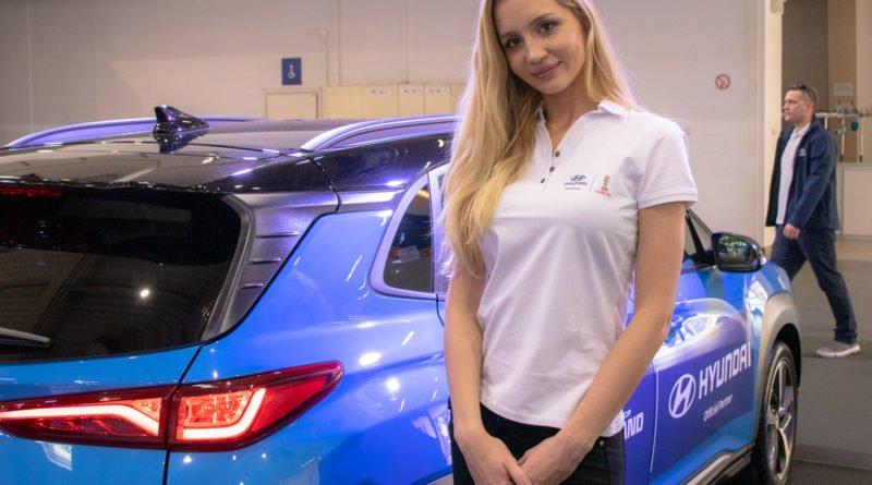 hostessy motorshow 2019 35 800x445 - Poznań Motor Show: Hostessy na zdjęciach!