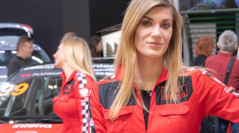 hostessy motorshow 2019 37 800x445 - Poznań Motor Show: Hostessy na zdjęciach!