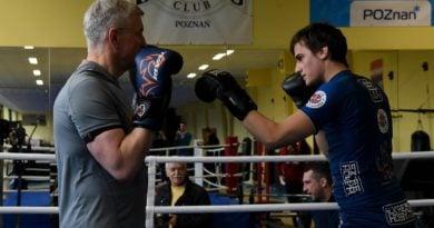 """jacek jaskowiak trenuje boks fot. ump 11 390x205 - Magdalena Środa wspiera Kidawę Błońską. Bo Jaśkowiak miał """"wiele przygód na mieście"""""""