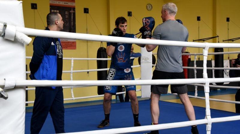 jacek jaskowiak trenuje boks fot. ump 14 800x445 - Poznań: Ponad pięć tysięcy złotych za trening z Jackiem Jaśkowiakiem