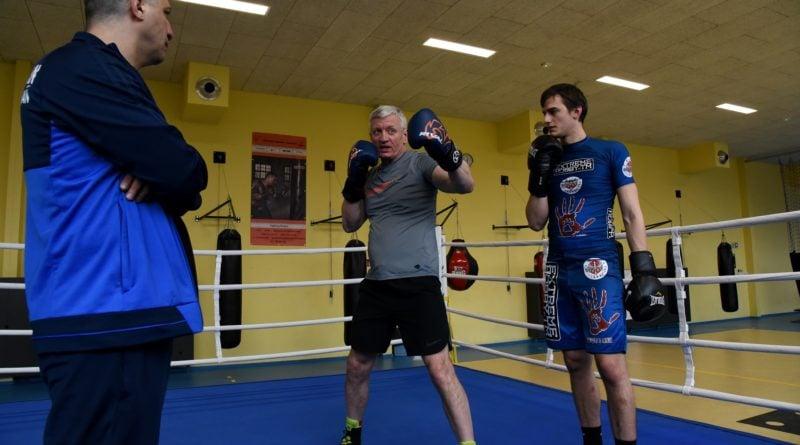 jacek jaskowiak trenuje boks fot. ump 16 800x445 - Poznań: Ponad pięć tysięcy złotych za trening z Jackiem Jaśkowiakiem