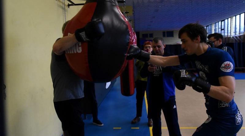 jacek jaskowiak trenuje boks fot. ump 2 800x445 - Poznań: Ponad pięć tysięcy złotych za trening z Jackiem Jaśkowiakiem