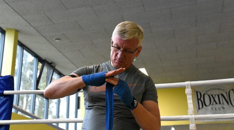 jacek jaskowiak trenuje boks fot. ump 4 800x445 - Poznań: Jacek Jaśkowiak zaliczył nokaut. Od Artura Szpilki