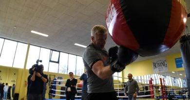 Jacek Jaśkowiak trenuje boks fot. UMP