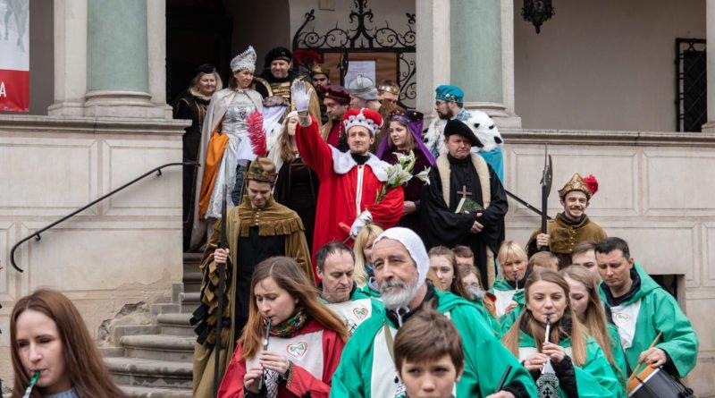 kaziuk wilenski 2019 15 800x445 - 26 Kaziuk Wileński w Poznaniu - Orszak królewski na Starym Rynku (zdjęcia)