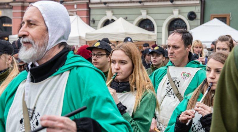kaziuk wilenski 2019 27 800x445 - 26 Kaziuk Wileński w Poznaniu - Orszak królewski na Starym Rynku (zdjęcia)