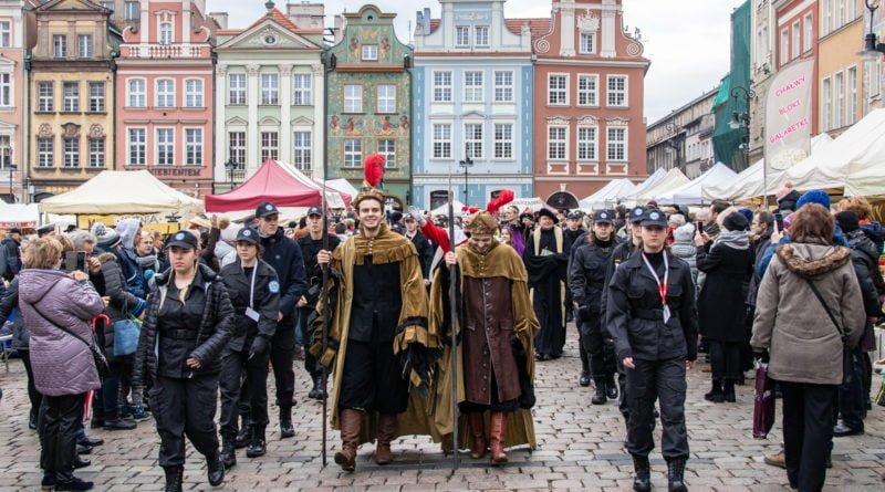 kaziuk wilenski 2019 34 800x445 - 26 Kaziuk Wileński w Poznaniu - Orszak królewski na Starym Rynku (zdjęcia)