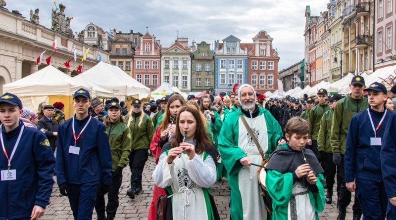 kaziuk wilenski 2019 36 800x445 - 26 Kaziuk Wileński w Poznaniu - Orszak królewski na Starym Rynku (zdjęcia)