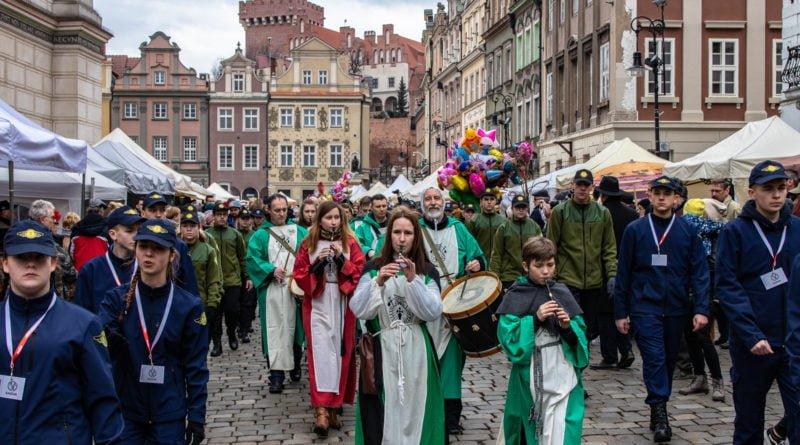 kaziuk wilenski 2019 38 800x445 - 26 Kaziuk Wileński w Poznaniu - Orszak królewski na Starym Rynku (zdjęcia)