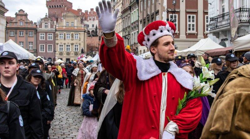kaziuk wilenski 2019 44 800x445 - 26 Kaziuk Wileński w Poznaniu - Orszak królewski na Starym Rynku (zdjęcia)