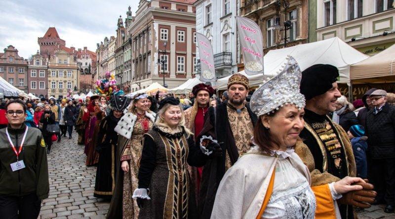kaziuk wilenski 2019 46 800x445 - 26 Kaziuk Wileński w Poznaniu - Orszak królewski na Starym Rynku (zdjęcia)