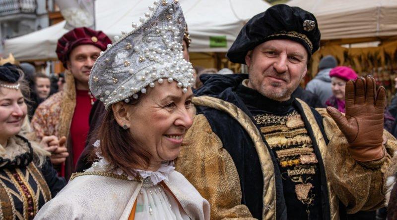 kaziuk wilenski 2019 47 800x445 - 26 Kaziuk Wileński w Poznaniu - Orszak królewski na Starym Rynku (zdjęcia)