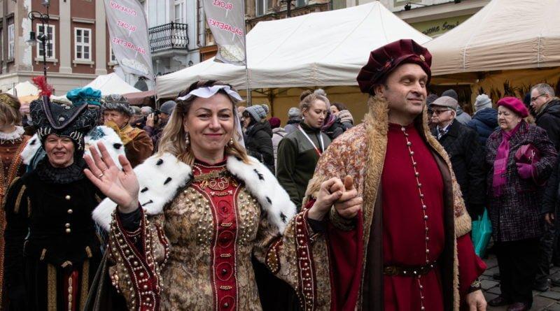 kaziuk wilenski 2019 50 800x445 - 26 Kaziuk Wileński w Poznaniu - Orszak królewski na Starym Rynku (zdjęcia)