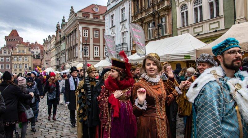 kaziuk wilenski 2019 54 800x445 - 26 Kaziuk Wileński w Poznaniu - Orszak królewski na Starym Rynku (zdjęcia)
