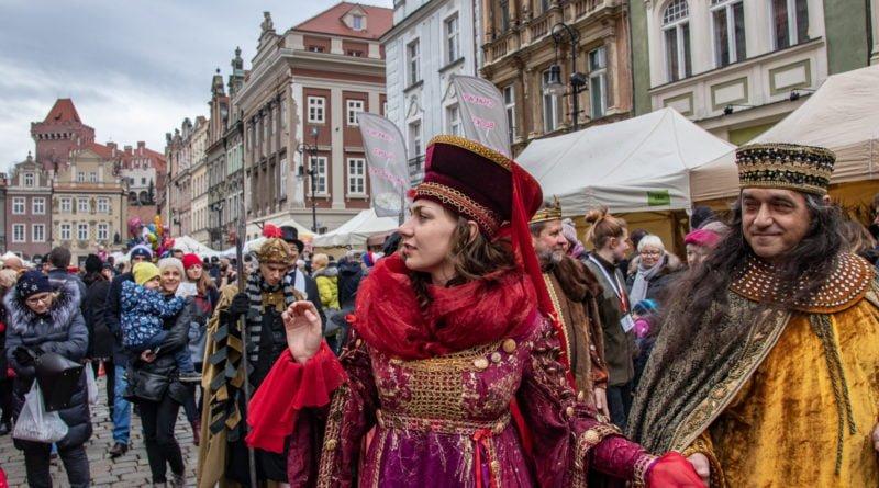 kaziuk wilenski 2019 56 800x445 - 26 Kaziuk Wileński w Poznaniu - Orszak królewski na Starym Rynku (zdjęcia)