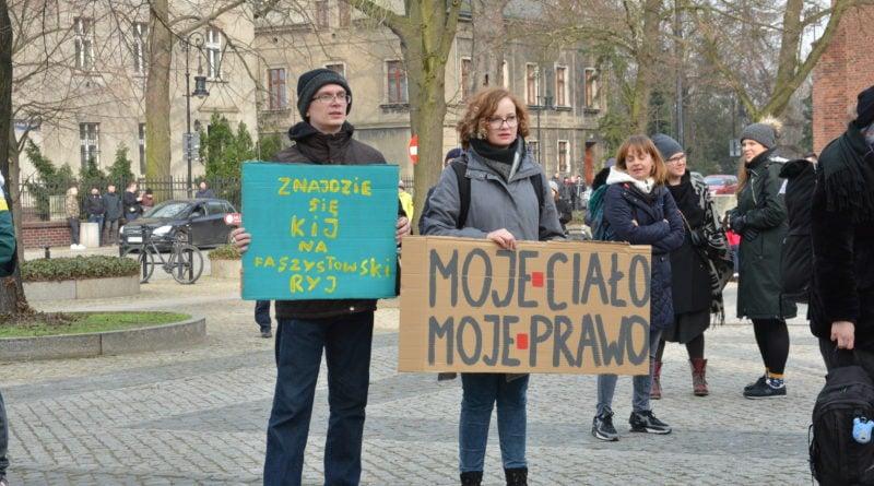 manifa 2019 13 800x445 - Poznań: Spacerkiem po aborcję. Na plac Wolności