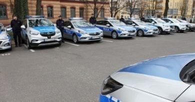 Poznań: Policjant w autobusie bez maseczki. Dostał mandat!