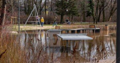 Poznań: kałuża w parku Wodziczki trafiła do... prokuratury