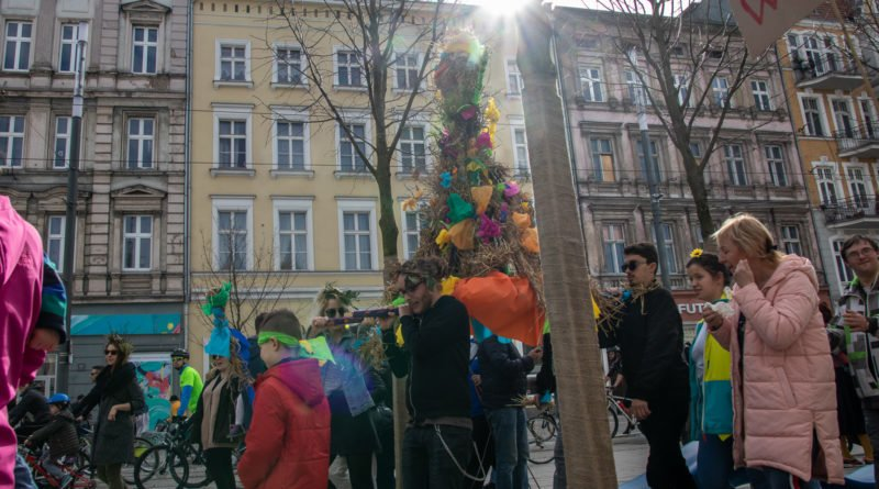 pogrzeb zimy 17 800x445 - Poznań: Pożegnanie zimy i radosne przywitanie wiosny!