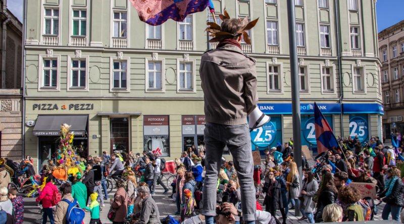 pogrzeb zimy 23 800x445 - Poznań: Pożegnanie zimy i radosne przywitanie wiosny!