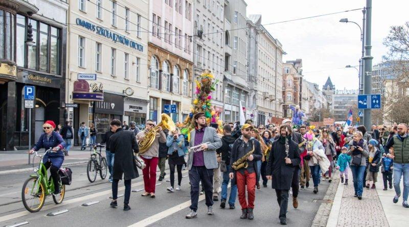 pogrzeb zimy 35 800x445 - Poznań: Pożegnanie zimy i radosne przywitanie wiosny!